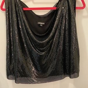 Express chain like sequin top